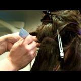 Поставяне на удължена коса на капси